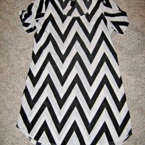 White Black Chevron Zigzag Stripe Shift Dress M